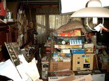 800px-Compulsive_hoarding_Apartment